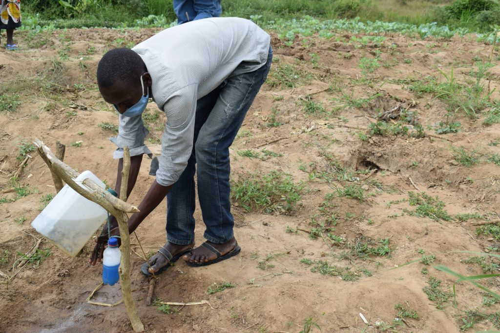 The Water Project : covid19-kenya18174-handwshing-1
