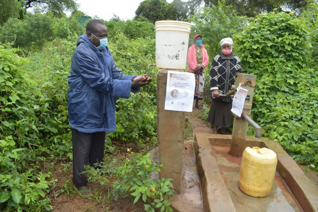 The Water Project : covid19-kenya4496-asdf_tei-wa-nzungu-shg_covid-19-outreach-11