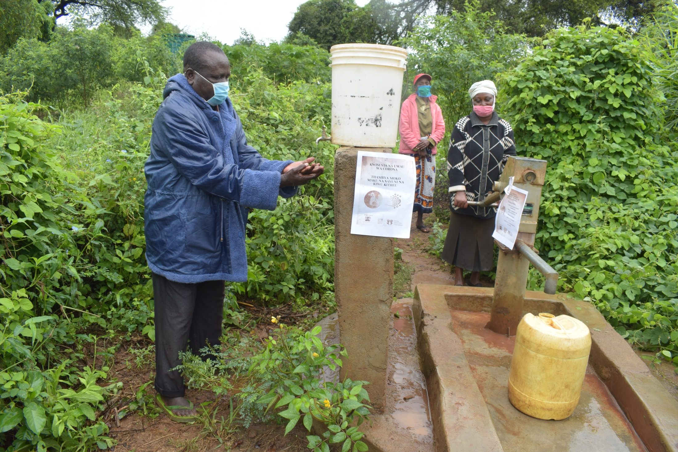 The Water Project : covid19-kenya4496-asdf_tei-wa-nzungu-shg_covid-19-outreach-11