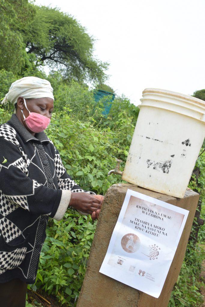 The Water Project : covid19-kenya4496-asdf_tei-wa-nzungu-shg_covid-19-outreach-2