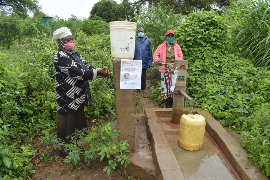 The Water Project : covid19-kenya4496-asdf_tei-wa-nzungu-shg_covid-19-outreach-5