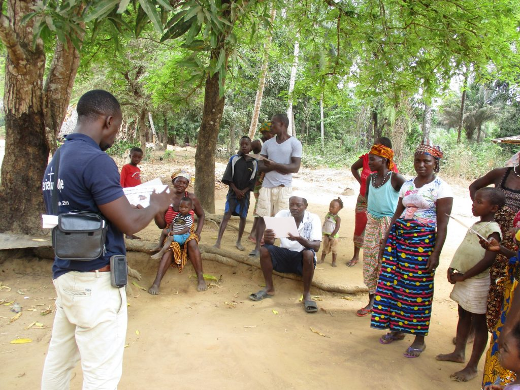 The Water Project : covid19-sierraleone18251-covid-training