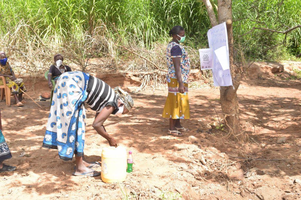 The Water Project : kenya18211-covid19-handwashing-2