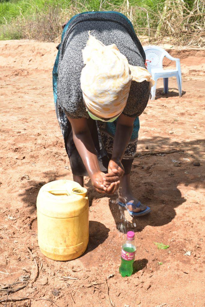 The Water Project : kenya18211-covid19-handwashing