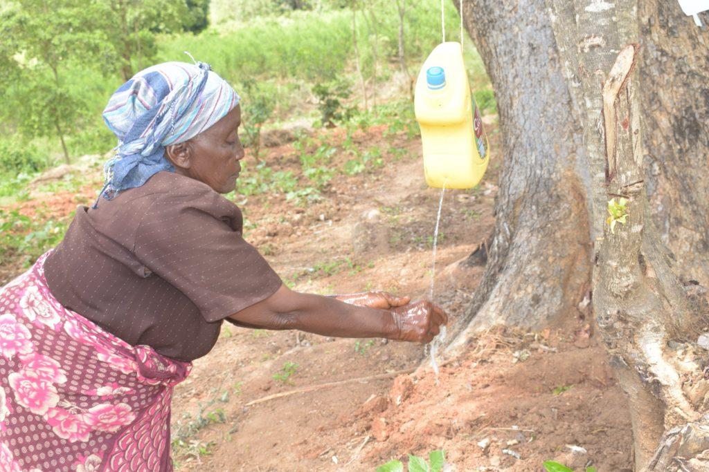The Water Project : kenya19205-covid19-handwashing-3