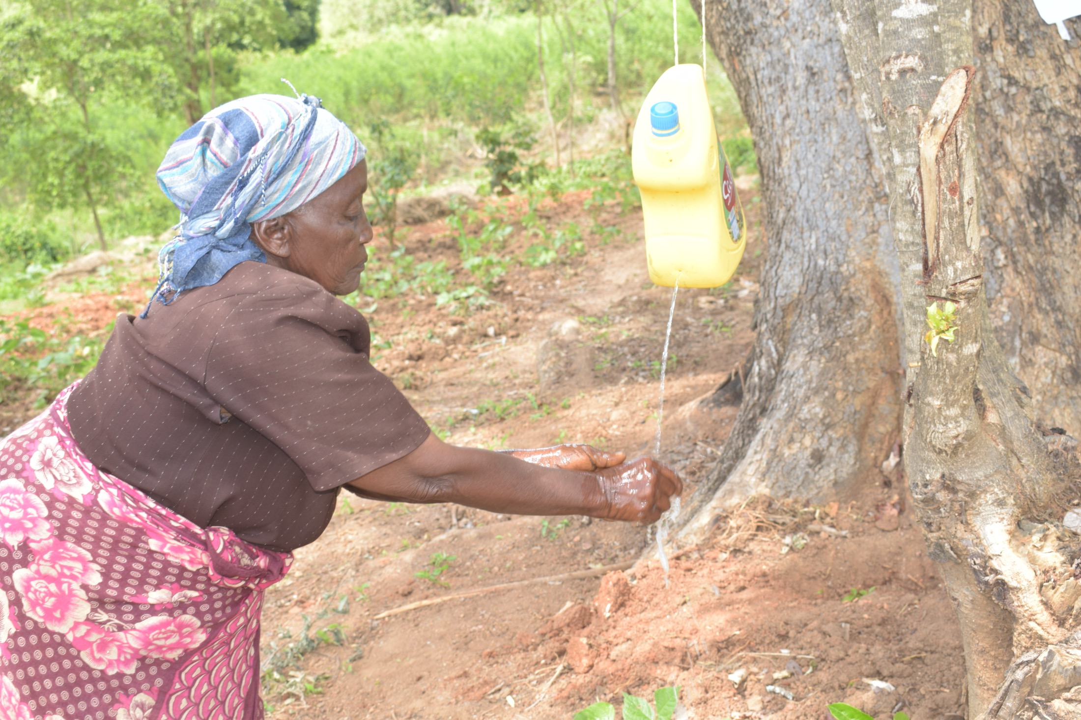 The Water Project : kenya19205-covid19-handwashing-3