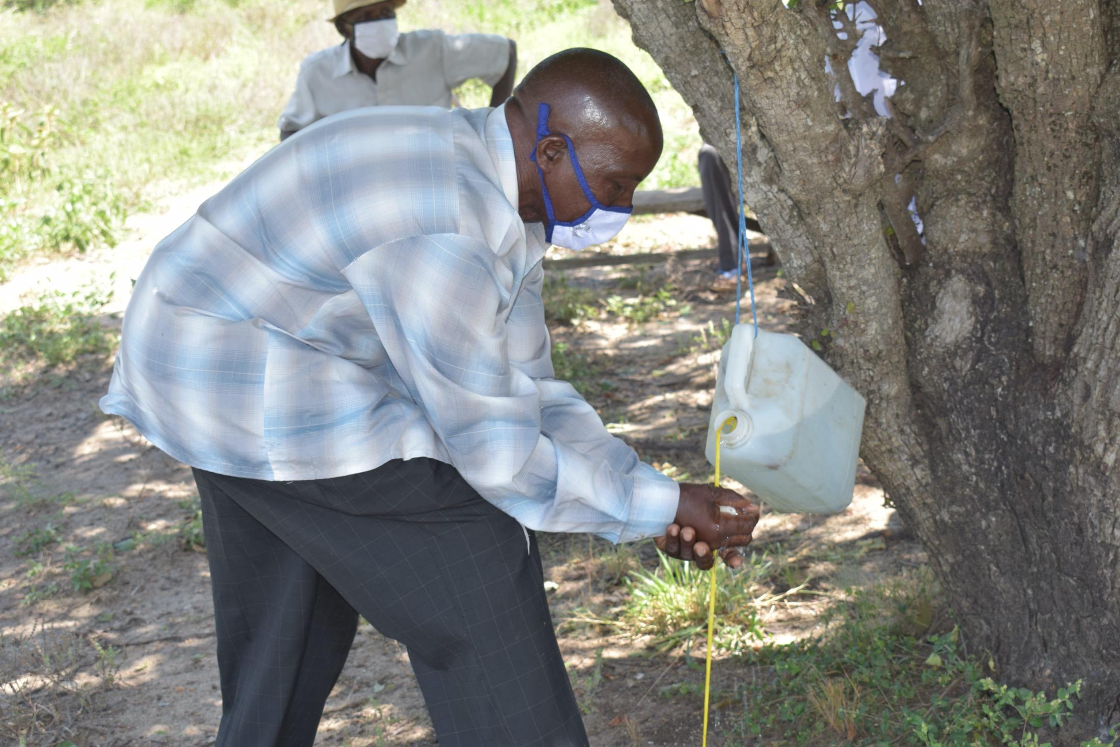 The Water Project : kenya19206-covid19-handwashing-3