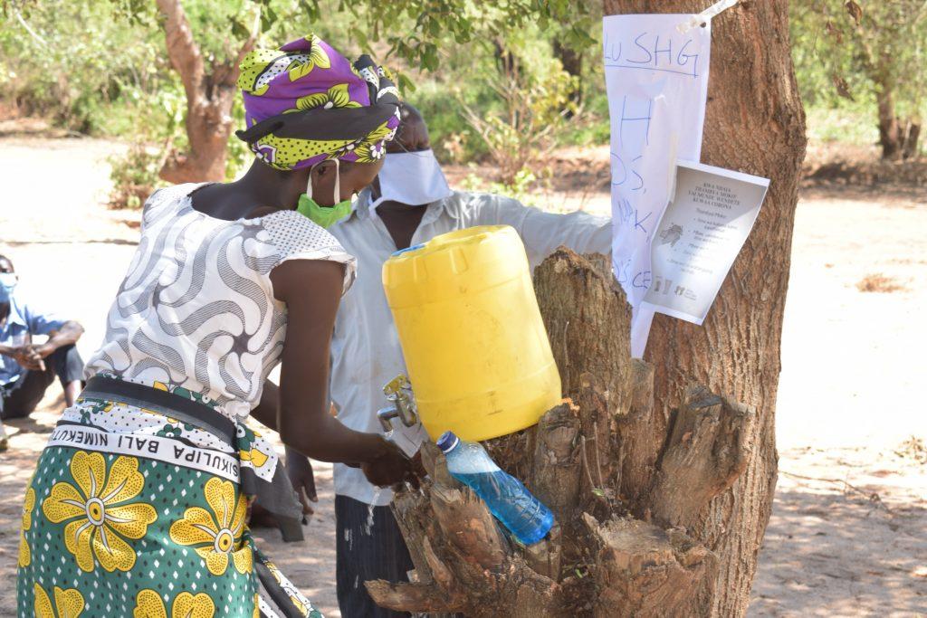 The Water Project : kenya4479-covid19-handwashing