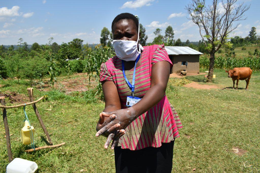 The Water Project : covid19-kenya18106-proper-handwashing-demonstration-3