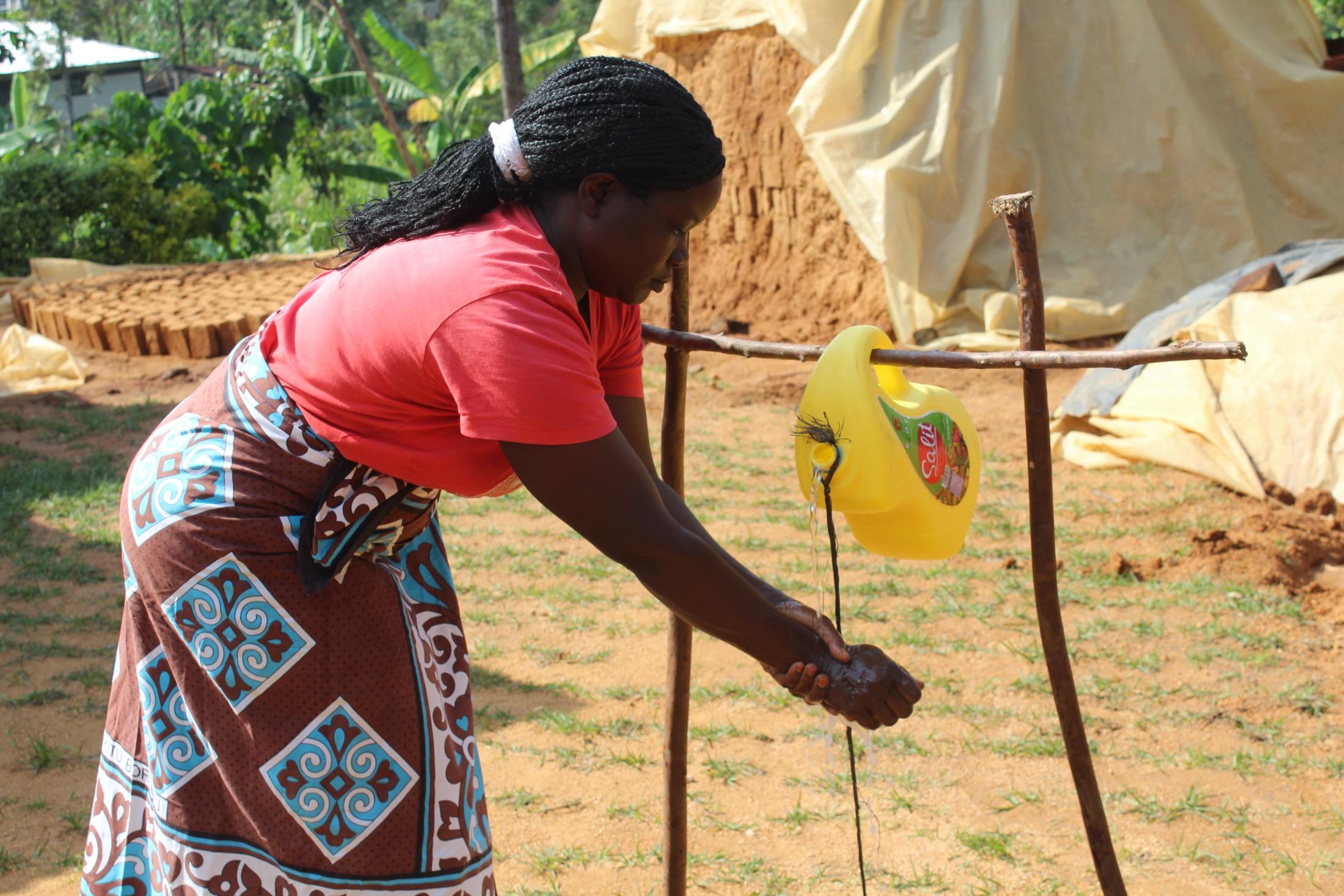 The Water Project : covid19-kenya4734-handwashing