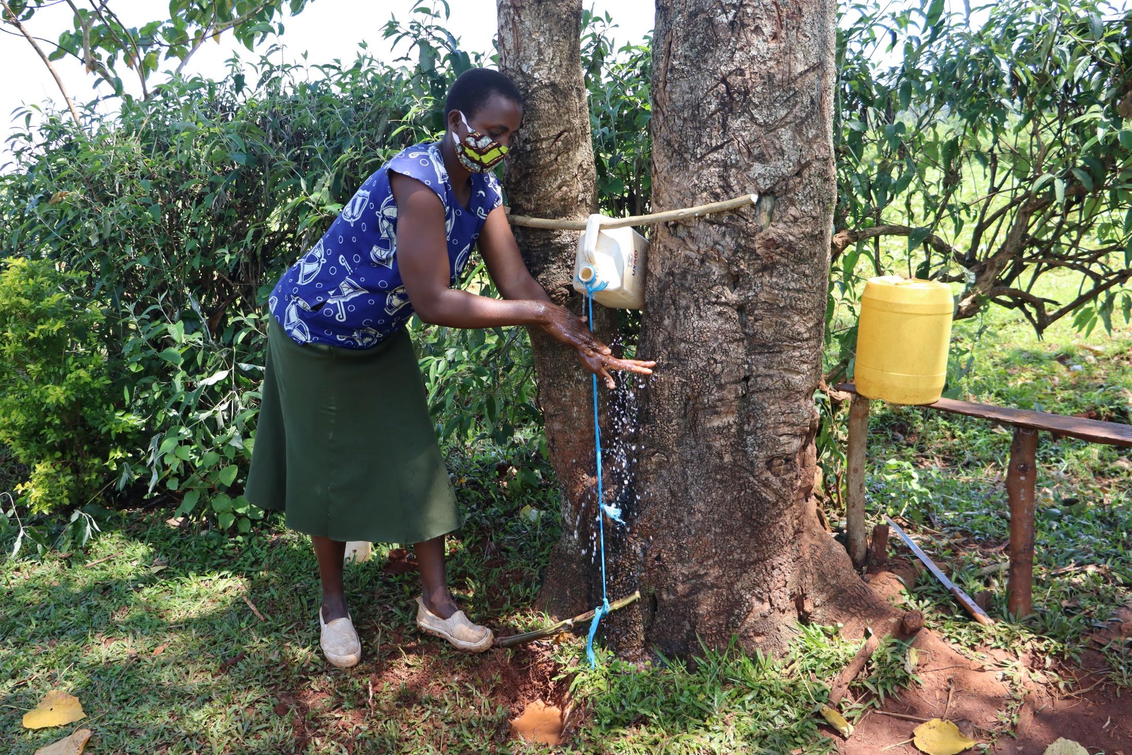 The Water Project : covid19-kenya4855-handwashing-demonstration