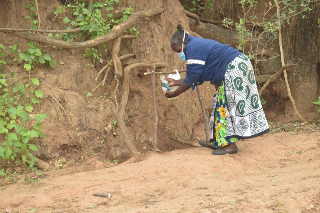 The Water Project : kenya19198-covid19-handwashing