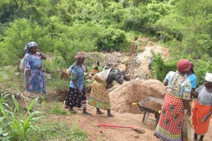 The Water Project:  Shg Members Work At The Construction Site