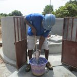 The Water Project: Lungi, Thomossoh, #24 Thullah Street -  Testing The Cylinder
