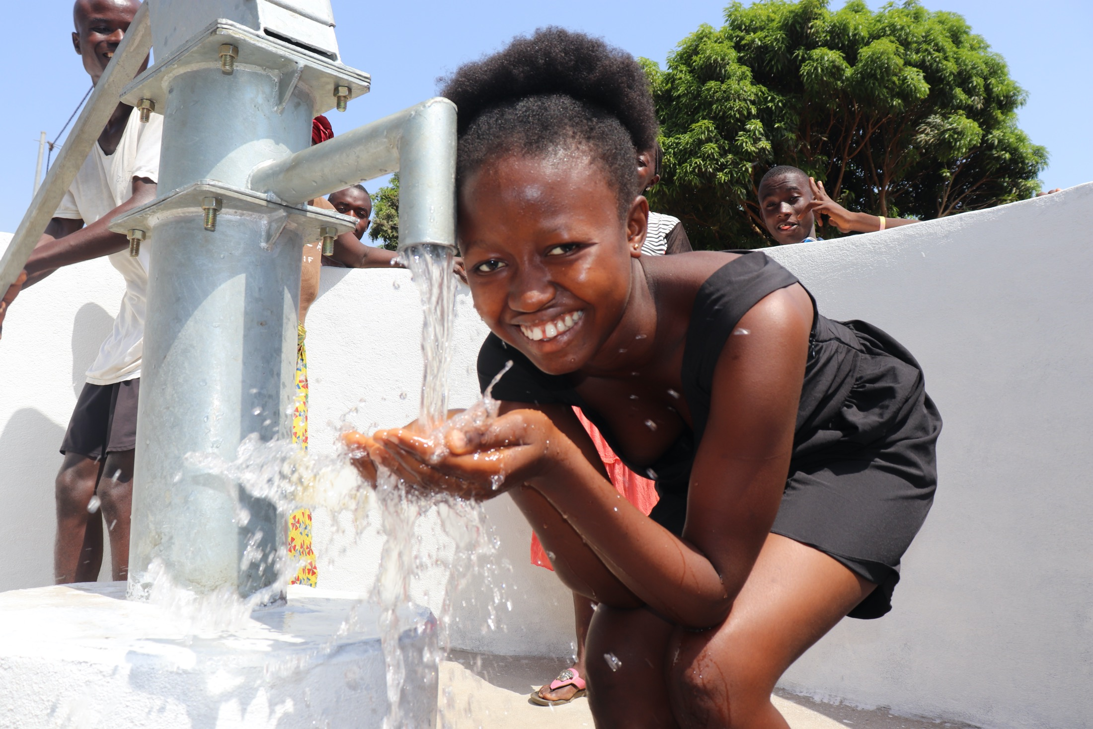 The Water Project : sierraleone20410-smiles-for-reliable-water