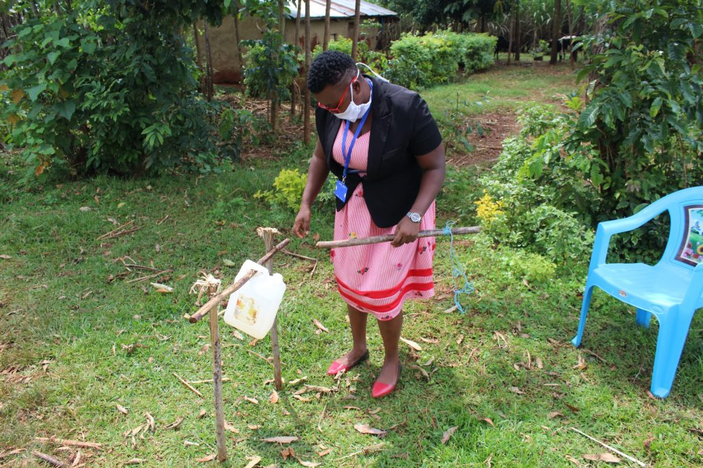 The Water Project : covid19-kenya19114-assembly-of-the-handwashing-station
