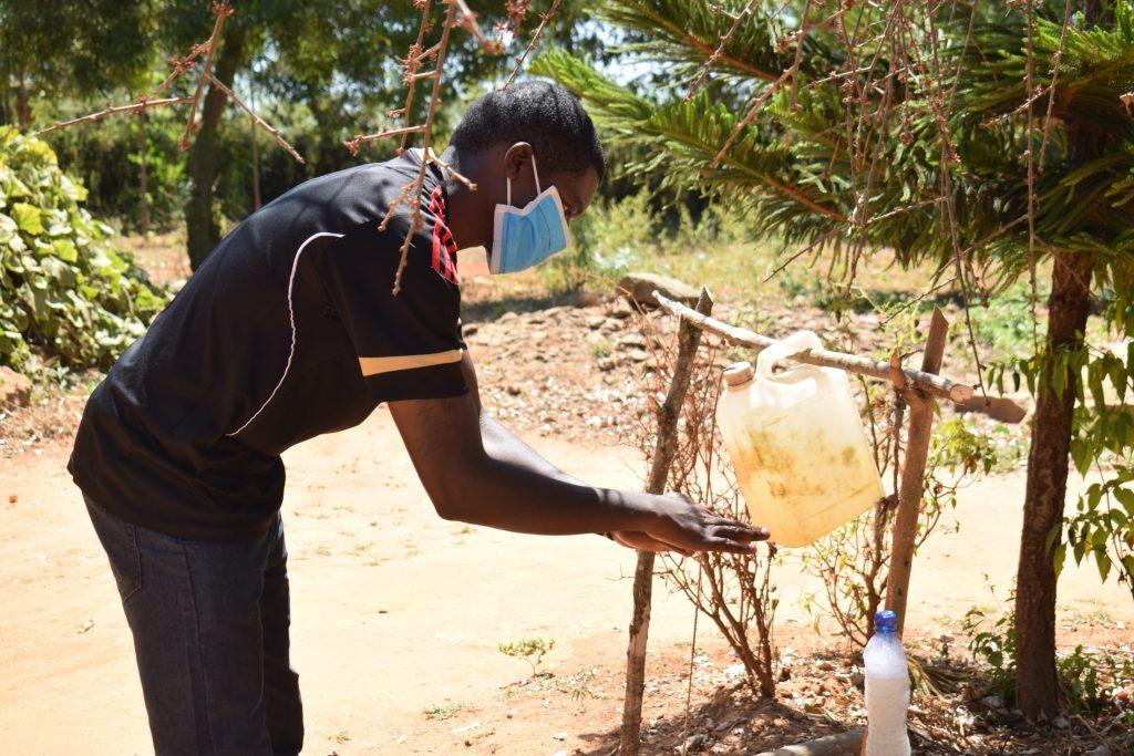 The Water Project : covid19-kenya19217-handwashing