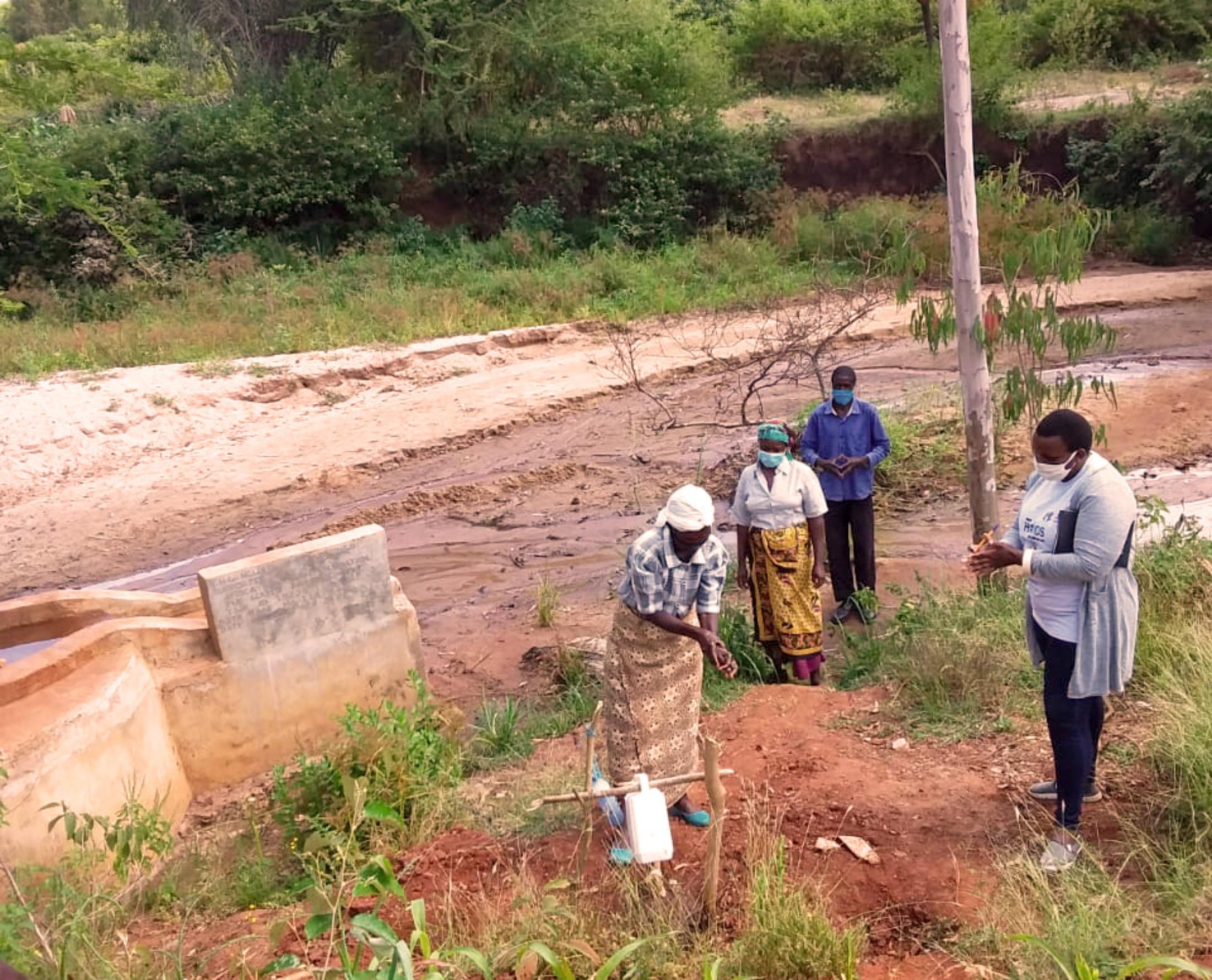 The Water Project : covid19-kenya19225-handwashing