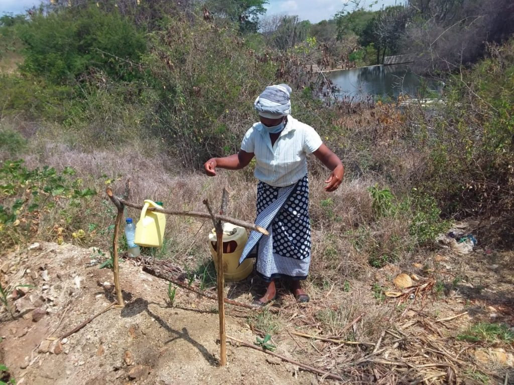 The Water Project : covid19-kenya19234-handwashing-station