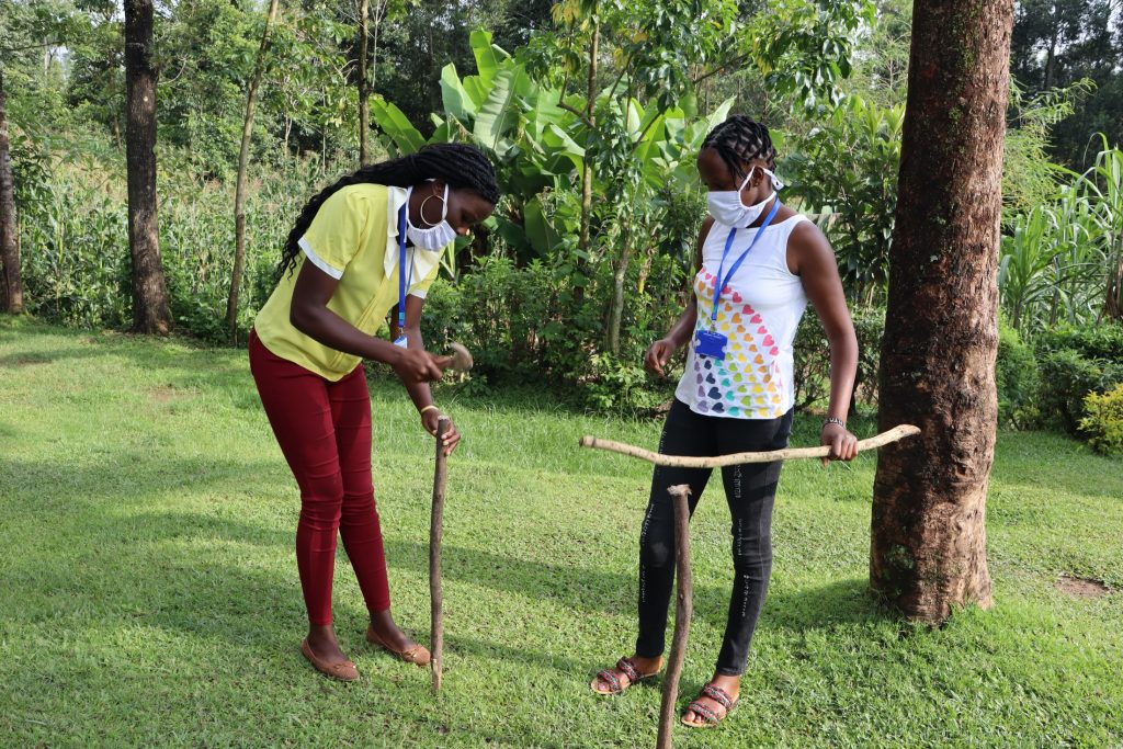The Water Project : covid19-kenya4285-setting-up-handwashing-station