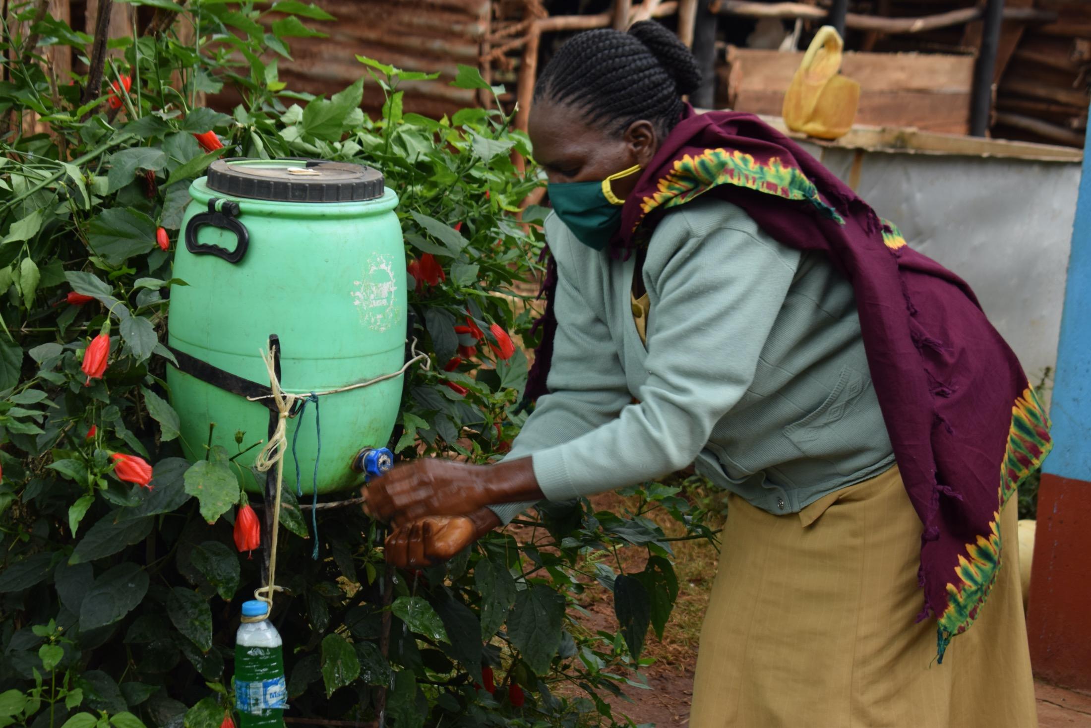 The Water Project : covid19-kenya4456-handwashing-2