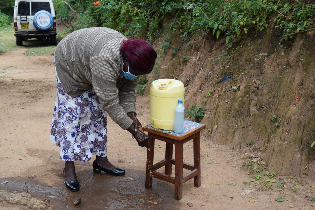 The Water Project : covid19-kenya4634-handwashing
