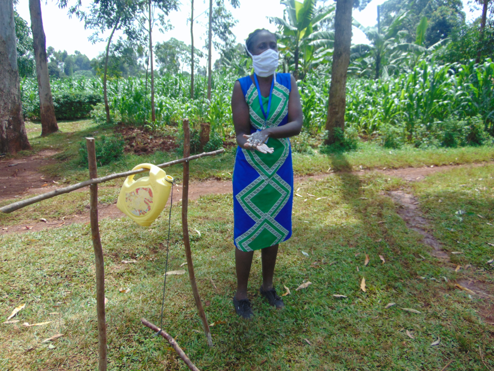 The Water Project : covid19-kenya4699-demonstrating-the-ten-steps-of-handwashing