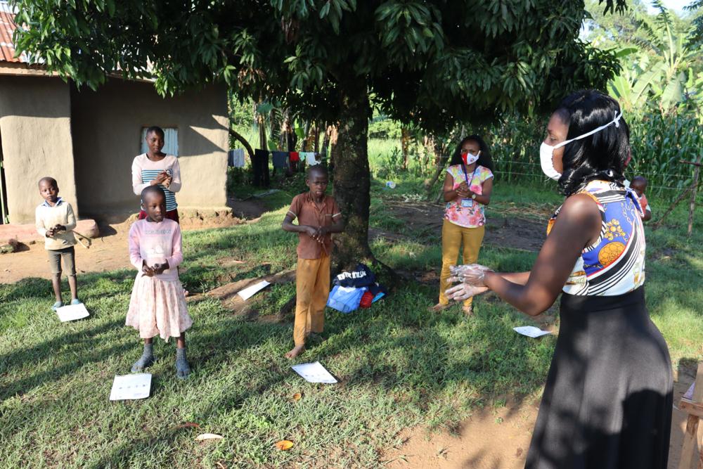 The Water Project : covid19-kenya4726-conducting-handwashing-training