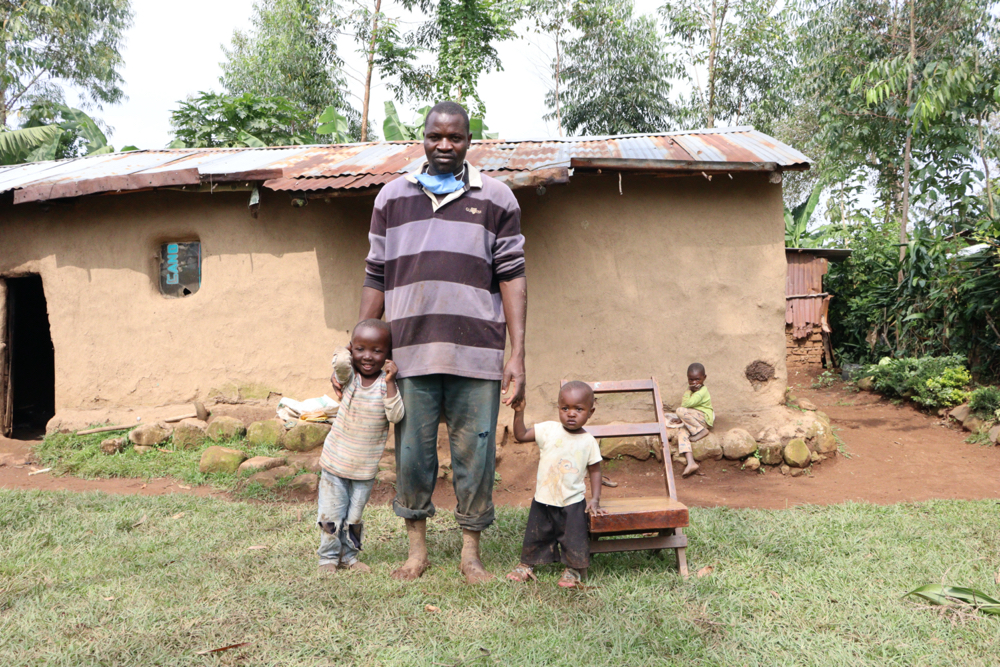 The Water Project : covid19-kenya4375-paulo-with-his-kids