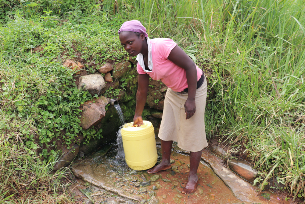 The Water Project : kenya20212-collecting-water-2