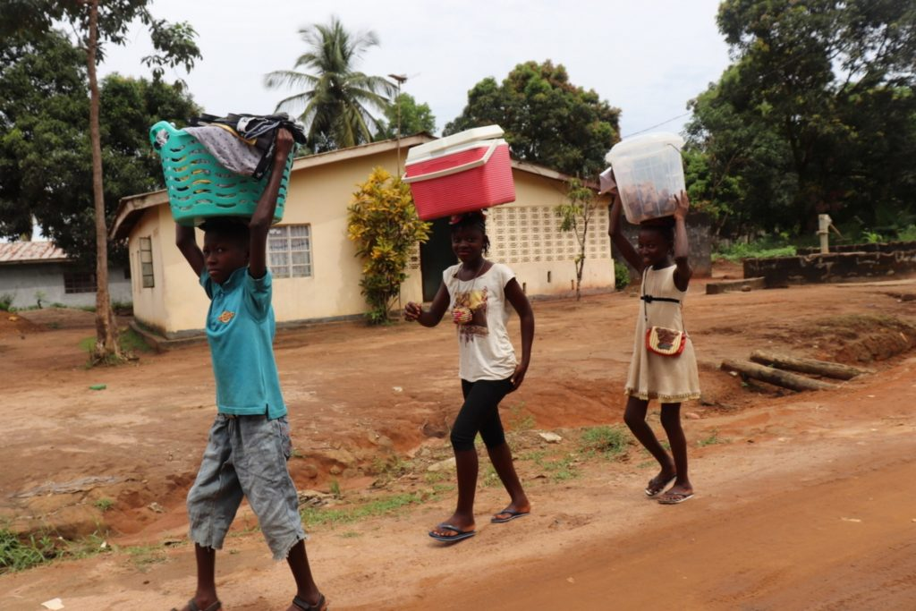 The Water Project : sierraleone20427-kids-trading