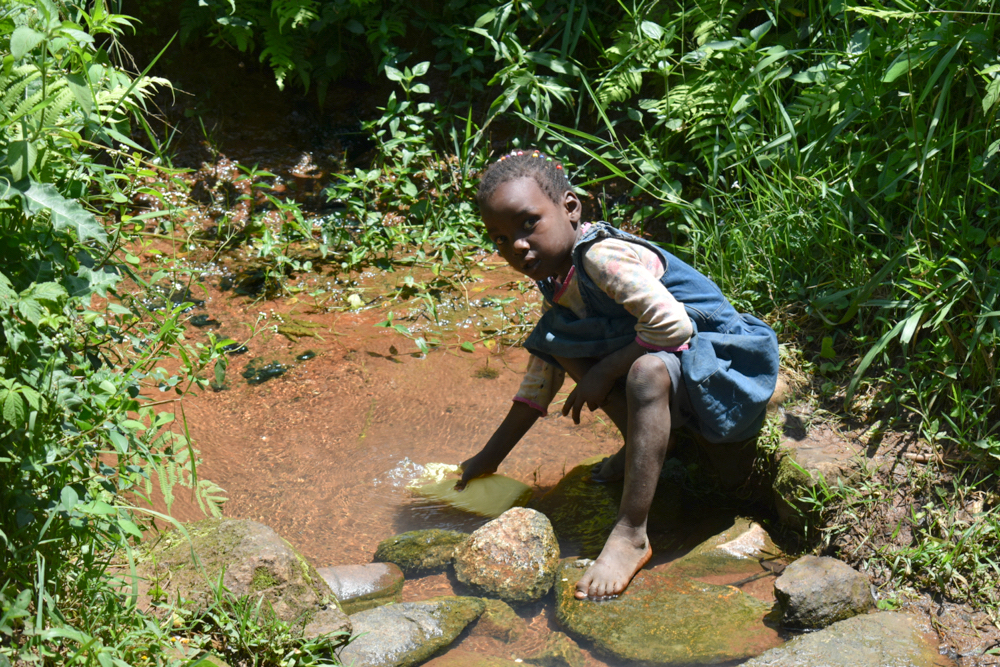 The Water Project : kenya20182-collecting-water-2