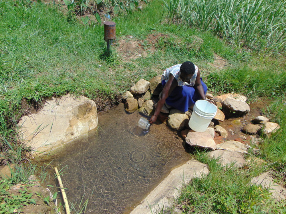 The Water Project : kenya20186-fetching-water-4