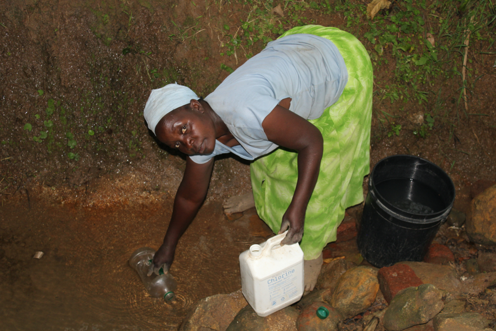 The Water Project : kenya20207-fetching-water-1