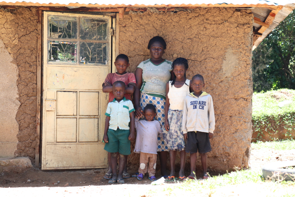 The Water Project : kenya18154-doris-with-her-kids