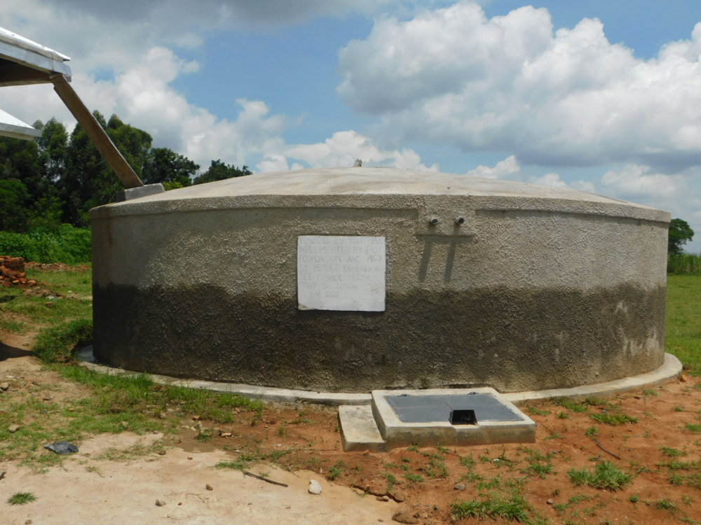 The Water Project : 21-kenya20004-complete-rain-tank