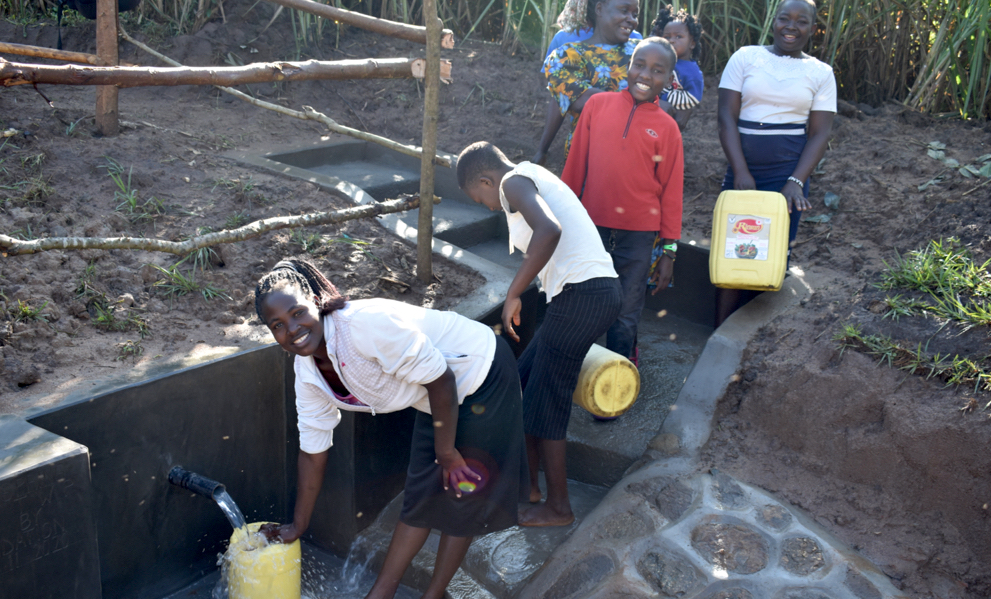 The Water Project : 5-kenya20020-fetching-clean-water-2