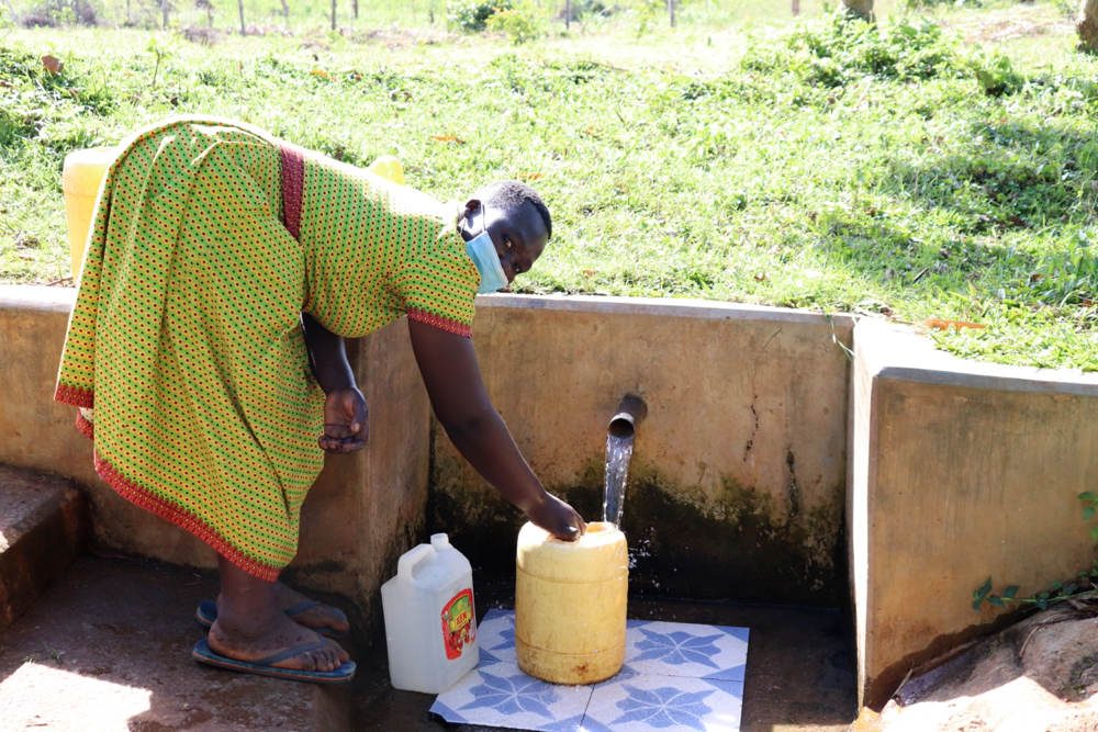 The Water Project : covid19-kenya18125-collecting-water