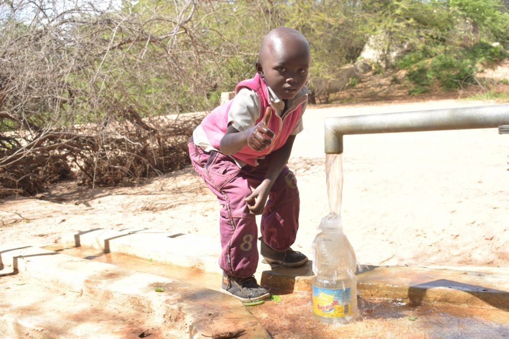 The Water Project : kenya19204-19229-thumbs-up