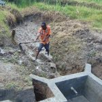 The Water Project: Machemo Community, Boaz Mukulo Spring -  Clearing Ground For Backfilling