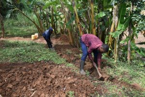 The Water Project:  Digging The Cut Off Trench