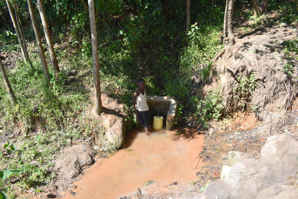 The Water Project : kenya21074-collecting-water-2