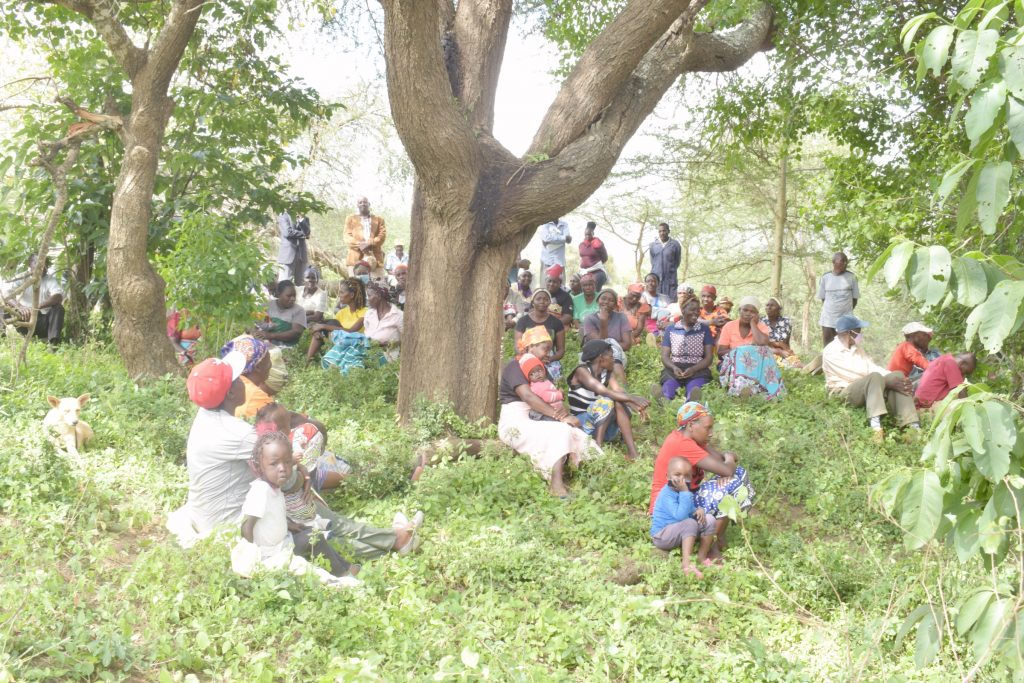 The Water Project : kenya21430-21431-shg-members