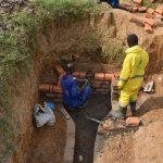 The Water Project: Shianda Commnity, Mukeya Spring -  Pipe Setting