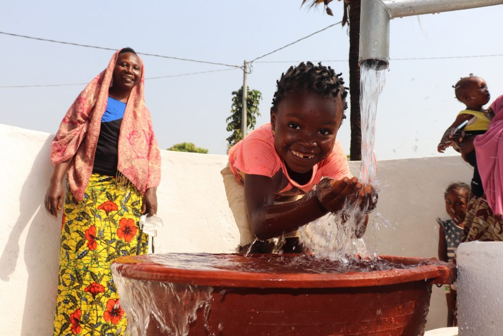 The Water Project : sierraleone21504-smiles-at-the-well
