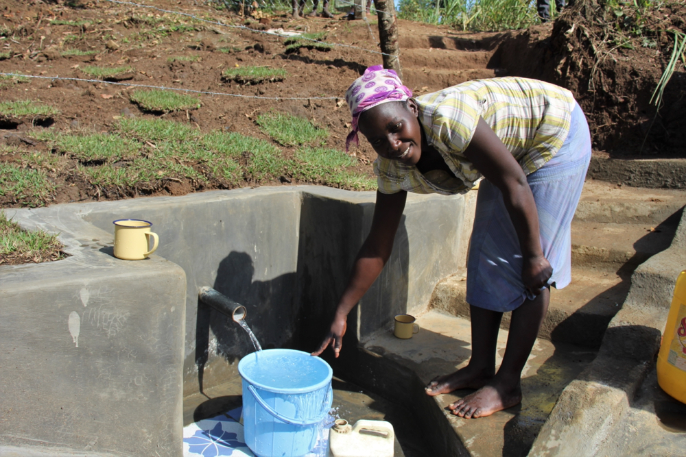 The Water Project : kenya21019-collecting-water-4
