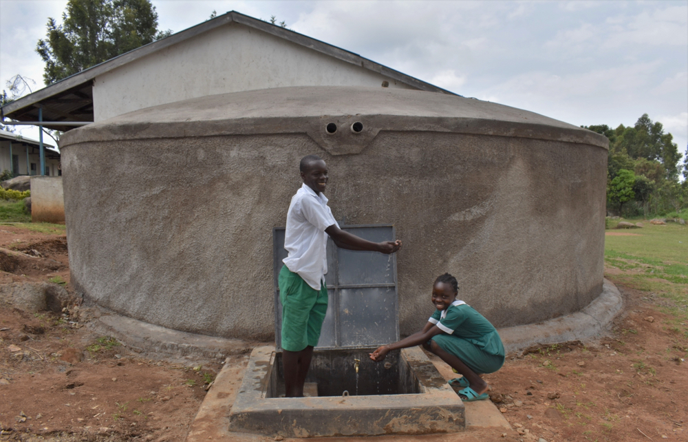 The Water Project : kenya21222-students-united-over-clean-water-at-school-21