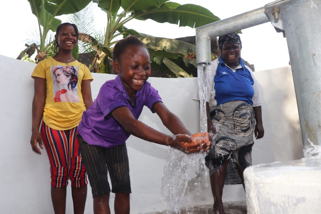 The Water Project : sierraleone21505-kids-celebrate-the-well