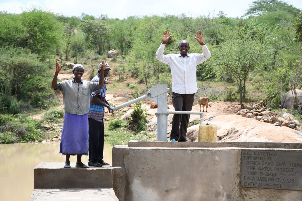 The Water Project : kenya21413-celebrating-the-well