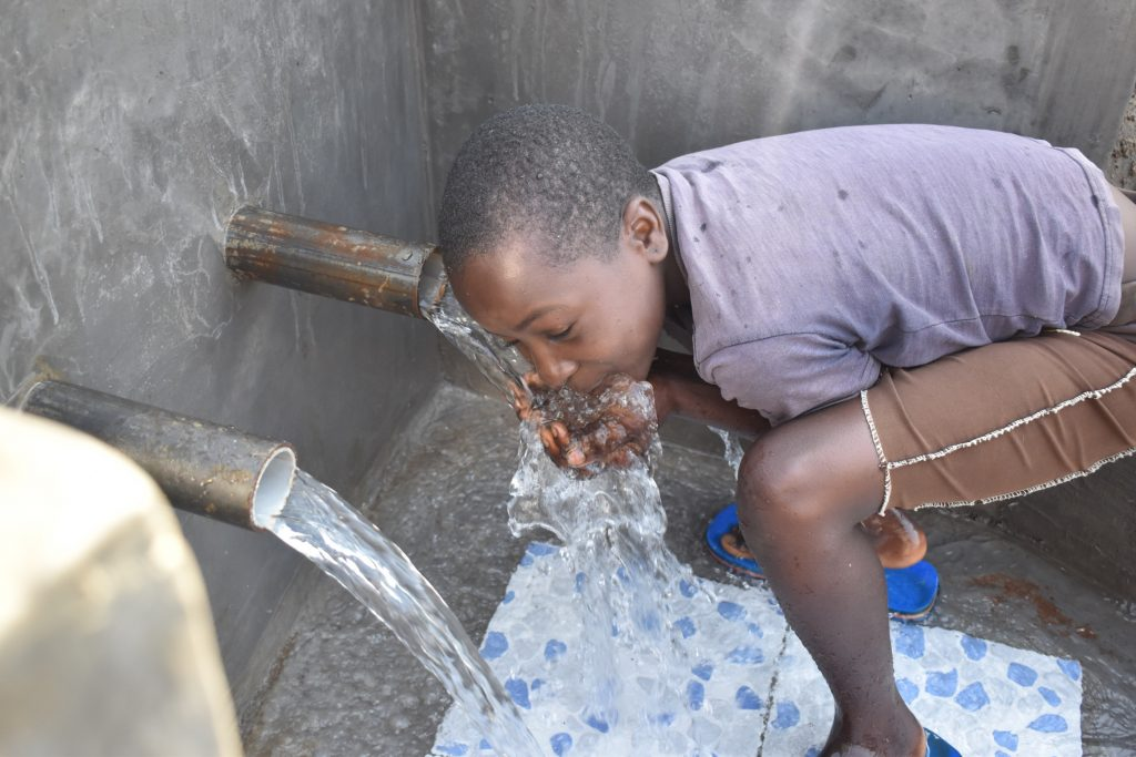 The Water Project : kenya21060-a-sip-of-clean-water